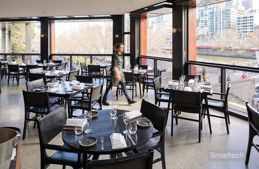 smartech folding windows open up entire restaurant